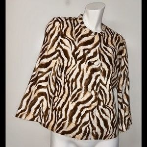 Rafael's 100% linen animal print big button work